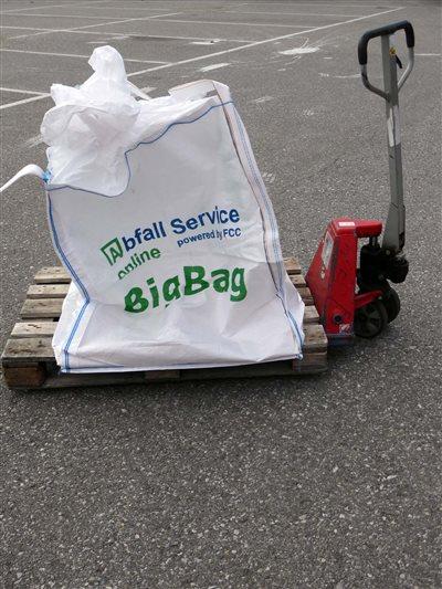 big-bag-bereit-fuer-großeinkauf-baumarkt-abfall-service-online