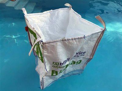 big-bag-im-pool-abfall-service-online