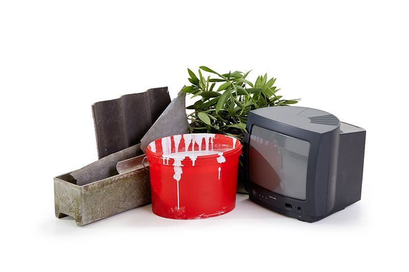 Darf nicht in den Container für Baustellenabfälle von FCC Abfall Service online